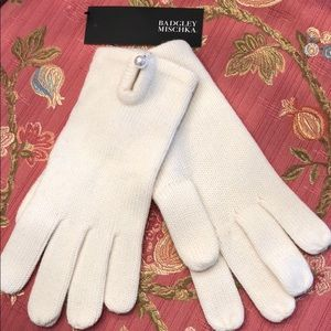 Badgley Mischka knit gloves with pearl button NWT